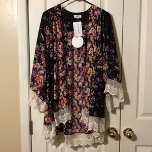 Umgee Navy Floral Kimono with Lace - NWT - M/L